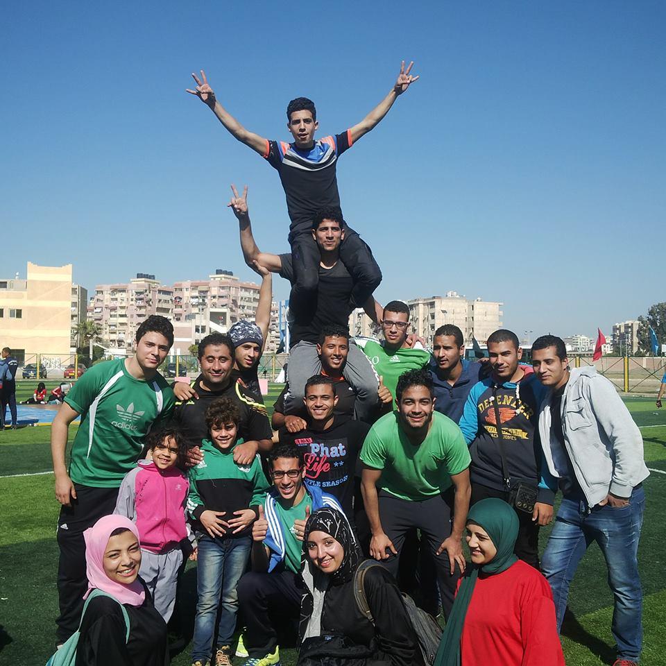 الطلاب المشاركون باللقاء من كلية التربية الرياضية بجامعة المنصورة