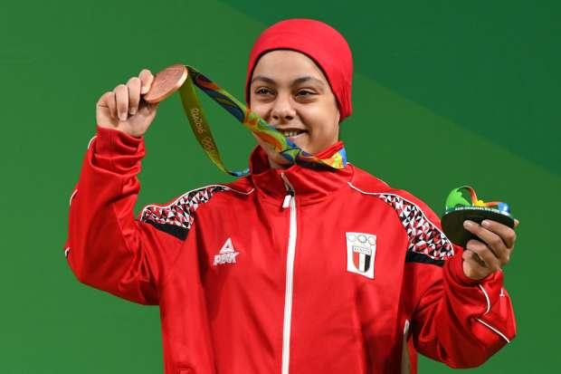 سارة سمير تحصد الميدالية البرونزية لرفع الأثقال بأولمبياد ريودي جانيرو