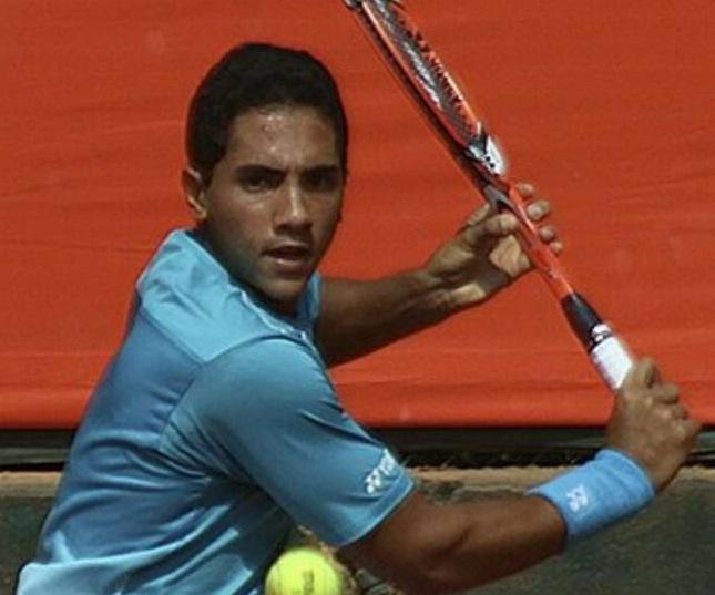 لاعب التنس يوسف حسام