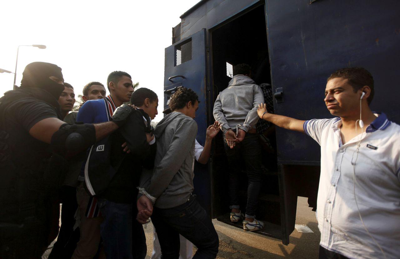 قوات الأمن تعتقل طلاب من جامعة الأزهر العام الدراسي 2013/2014