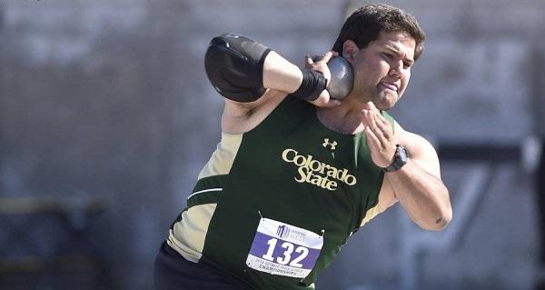 لاعب ألعاب القوى بالجامعة الأمريكية مصطفى عمرو