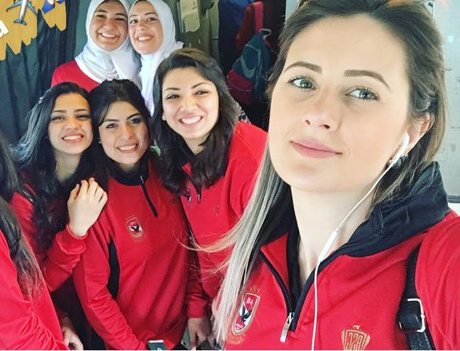 بعثة سيدات الأهلي أثناء سفرهم لتونس