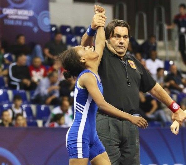 لاعبة المنتخب المصري لناشئي المصارعة ندى موسى