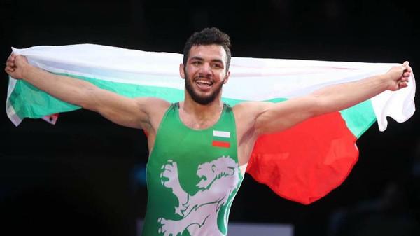 بطل المصارعة طارق عبدالسلام