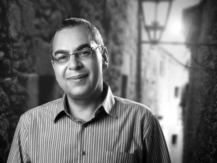 الكاتب الراحل الدكتور أحمد خالد توفيق